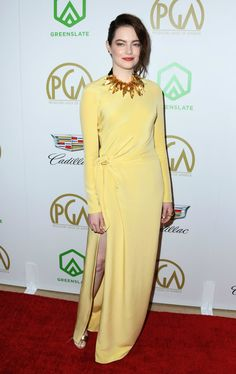 Emma Stone Debuts Drastically Darker Hair at the Producers Guild Awards Celebrity Dresses, Celebrity Style, Celebrity News, Together Fashion, Yellow Gown, Nice Dresses, Formal Dresses, French Fashion Designers, Emma Stone