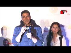 Videos capsules: Akshay Kumar and Twinkle Khanna at the trailer Lau...