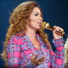 """( ☞ 2016 ★ CELEBRITY MUSIC ★ SHANIA TWAIN """" Country ♫ country pop ♫ country rock ♫ pop ♫ """" ) ★ ♪♫♪♪ Eilleen Regina Edwards - Saturday, August 28, 1965 - 5' 4"""" 110 lbs 36-24-35 - Windsor, Ontario, Canada."""