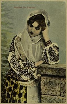 """""""Greetings from Romania"""" Vintage Postcard with Romanian folk dress Traditional Art, Traditional Outfits, Vintage Photos Women, Vintage Pictures, Vintage Ladies, Romanian Girls, Vampire Stories, Folk Costume, Vintage Chanel"""