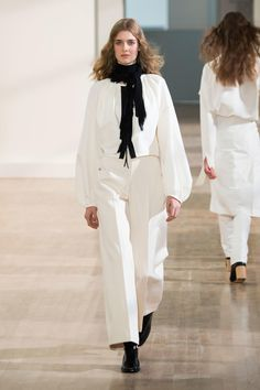 Paris Fashion Week SS16 Lemaire's Spring 2016 Collection - source: Fashionista.com