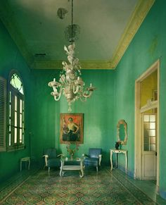 Historical architecture in Cuba photo's by Michael Eastman. Cuba's architecture is Spanish Colonial , steps back in time as nothing has been altered since the. Moderne Pools, Interior And Exterior, Interior Design, Interior Door, Décor Antique, Green Rooms, Green Walls, Teal Walls, Paris Apartments