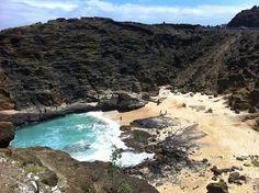 Hawaii - OAHU - Hanuma Bay, sandy beach and cockroach cove