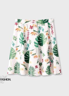 Разноцветная гамма - еще один тренд этого сезона. Вот, например, #юбка с тропическим принтом отлично вписывается в эту тенденцию. Длина чуть выше колена. Идеально дял выхода на прогулки или на #работу в пятницу, если позволяет #дресскод.  #lovefashion #одежданавсеслуаижизни #мода2017#ootd