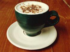 """A R O M A  D I  C A F F É  """"Nada más cálido que nuestro delicioso  #CioccolataBianca #ChocolateBlanco para despedir el día y feliz noche"""". . .................................................... Abrimos los Domingos de 10 a.m. - 5 p.m. Visítanos!  .................................................... . #MomentosAroma#SaboresAroma#ExperienciaAroma#Caracas#MejoresMomentos#Amistad#Café#CaféVenezolano# #Espresso #CoffeePic #CoffeeLovers #CoffeeCake #CoffeeTime #CoffeeBreak #CoffeeAddicts…"""