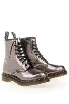 Dr Martens 13499650 Zilver-Orginele dr. martens boot Dr. Martens, Combat Boots, My Style, Shoes, Fashion, Moda, Zapatos, Shoes Outlet, Fashion Styles