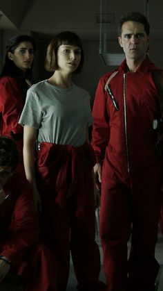 La casa de papel badass Nariobi, Tokyo and Berlin The badass paper house Nariobi, Tokyo and Berlin Movies Showing, Movies And Tv Shows, Shows On Netflix, Series Movies, Tv Series, Photos Des Stars, Movie Wallpapers, Best Series, Film Serie