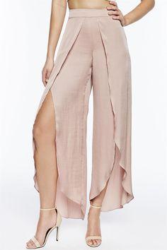 Fashion Line, Fashion Pants, Fashion Dresses, Classy Outfits, Cool Outfits, Casual Outfits, Pantalon Thai, Jazz Pants, Sewing Pants