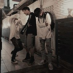 『ριитєяєѕт | αи¢ιℓℓυℓα』 Couple Ulzzang, Korean Boys Ulzzang, Ulzzang Boy, Korean Best Friends, Boy And Girl Best Friends, Asian Boys, Asian Men, Foto Best Friend, Boy Squad