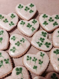 St Patricks Day is around the corner, and people love to party and celebrate. As part of my holiday cookie obsession her Irish Cookies, St Patrick's Day Cookies, Iced Cookies, Cute Cookies, Royal Icing Cookies, Holiday Cookies, Sugar Cookies, Cookie Icing, St Patrick Day Treats