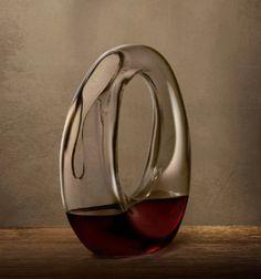 L�architecte Ron Arad signe la premi�re collection de la marque de verrerie Nude