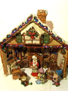 Vintage-Ceramic-Christmas-Lighted-Santas-Workshop-w-Elves-Provincial-Mold-1981