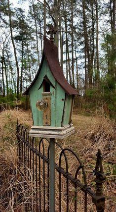 Most Popular Birdhouses Rustic in Your Garden 31 – DECOREDO