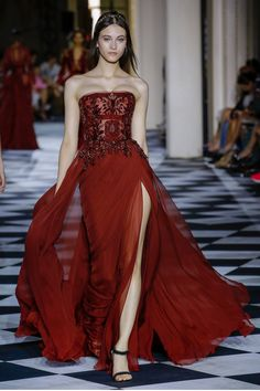 98d3a981c135 Zuhair Murad Fall 2018 Couture Fashion Show Collection  See the complete  Zuhair Murad Fall 2018