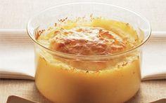 Bagt kartoffelmos med hvidløg Står du og mangler det perfekte tilbehør til en sammenkogt ret? Så er denne bagt kartoffelmos med hvidløg perfekt