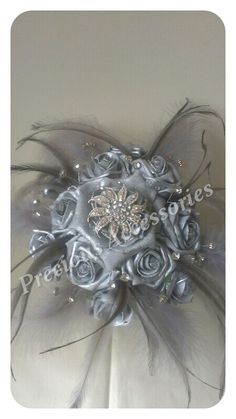 Platinum bouquet to match fascinator...