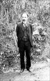 En Kingston, Jamaica, 1892,  durante uno de sus numerosos  desplazamientos por tierras de  América en funciones del Partido  Revolucionario Cubano