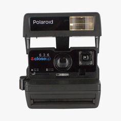 Polaroid 600 vintage années 80 et deux films Impossible Find this product on Bon Marché website Le Bon Marché Rive Gauche http://www.lebonmarche.com/produit/47810_polaroid-600-vintage-annees-80-et-deux-films.html