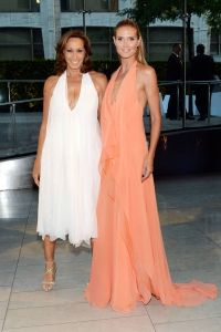 donna karan and heidi klum at cfda awards 2014 Celebrity Red Carpet, Celebrity Style, Cfda Awards, Red Carpet Looks, Heidi Klum, Red Carpet Dresses, Donna Karan, Hollywood Glamour, Red Carpet Fashion