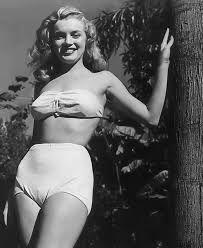 「Marilyn Monroe nude」の画像検索結果