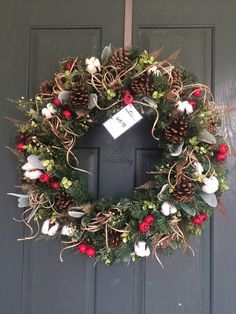 Christmas wreath, Farmhouse Christmas Cotton wreath, Christmas wreaths for front door, Artificial Christmas Wreaths, Christmas Wreaths For Front Door, Burlap Christmas, Christmas Mantels, Country Christmas, Holiday Wreaths, Winter Wreaths, Christmas Tablescapes, Christmas Decorations