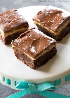 Turtle Buckeye Brownies are rich chocolate brownies, a peanut butter truffle layer, topped with a caramel chocolate pecan layer. Yummy Treats, Delicious Desserts, Sweet Treats, Dessert Recipes, Yummy Food, Buckeye Brownies, Chocolate Brownies, Easy Hamburger Soup, Peanut Butter Truffles