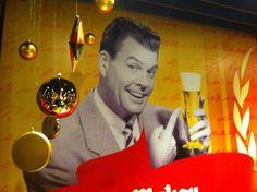 Brillo y oro y una cerveza en El Pibe