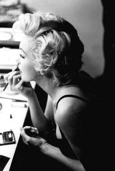 Marilyn Monroe photographed by Sam Shaw, 1955.