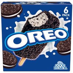 Oreo Ice Cream Bar: Another favorite of mine, then again, what kind of delicious ice cream don't I like? Delicious Oreo ice cream sprinkled with Oreo cookies, mmm Oreos, Cereal Recipes, Snack Recipes, Bolo Hello Kitty, Good Humor Ice Cream, Junk Food Snacks, Food Food, Oreo Bars, Oreo Flavors