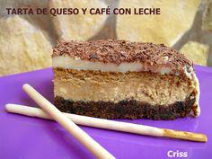 Tarta de queso y café con leche. Ver receta: http://www.mis-recetas.org/recetas/show/17863-tarta-de-queso-y-cafe-con-leche