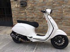 Vespa Lx, Vespa Scooters, Retro Bike, Retro Cars, Vespa 150 Sprint, Custom Vespa, Italian Scooter, Motorcycle Wallpaper, Vintage Vespa