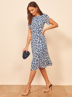 Perfect for brunch at home. Shop the Andre, a fitted a-line midi dress from Reformation. Midi Sundress, Floral Sundress, Clear Strap Heels, Wrap Dress, Dress Up, Casual Dresses, Dresses For Work, Minimalist Dresses, Red Cocktail Dress