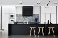 Black and marble kitchen Fiona Lynch