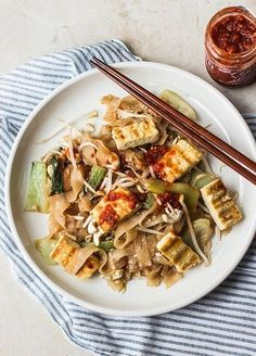 Tips on making a vegetarian pad see ew at home