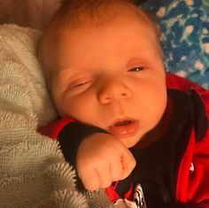 This milk drunk baby's eyes say it all. He's totally satisfied and down for the count. Baby Eyes, Every Mom Needs, Newborn Babies, Baby Photos, Count, Anna, Milk, Parenting, Happy