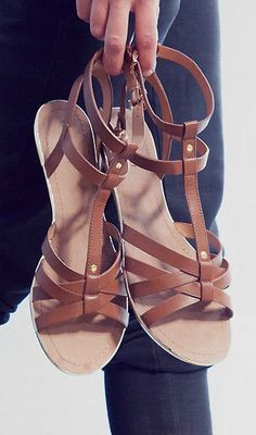 love these classic sandals