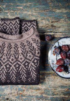 Goldwing pattern by Jennifer Steingass – Knitting patterns, knitting designs, knitting for beginners. Fair Isle Knitting Patterns, Sweater Knitting Patterns, Knitting Designs, Knit Patterns, Knitting Projects, Hand Knitting, Learn To Crochet, Knit Crochet, Textiles
