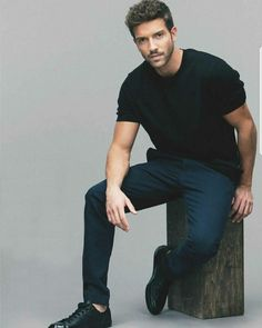 Pablo Alborán Charlie Carver, Man O, Ricky Martin, Man Crush, Celebrity Crush, Male Models, Hot Guys, Photos, Handsome