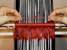 Continuous string heddles - Backstrap weaving method.