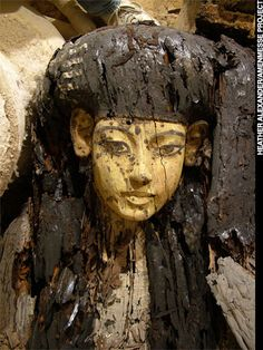 Ancient Statue of Nefertitti