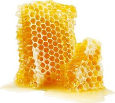 These honey products beauty products are packed with enzymes that help keep pores clean of dirt and oil and deliver serious hydration for skin and hair. Fresh Green Bean Recipes, Manuka Honey Benefits, Hair Clinic, Clean Pores, Honeycomb Pattern, Mellow Yellow, Soap Making, Superfoods, Wax