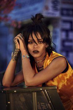 Rihanna W Korea