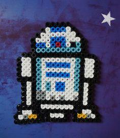 R2D2  Star Wars Hama beads magnet by Alabauhaus