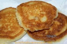 SOUTHERN FRIED CORNBREAD - Ingredients: cup cornmeal cup self rising flour cup low fat buttermilk 1 large egg oil for frying (I used about 3 tbsps coconut oil, but you can use whatever you like) Directions: Combine first 4 ingredients together in a … Fried Cornbread, Cornbread Cake, Cornbread Recipes, Stove Top Cornbread, Buttermilk Cornbread, Skillet Cornbread, Homemade Cornbread, Homemade Breads, Pain Frit