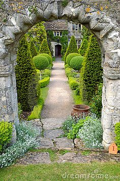 Garden path by Mark Smith, via Dreamstime