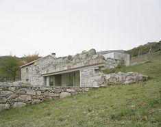 """La """"ruina"""" como elemento arquitectónico tiene un valor ornamental muy elevado. Gracias a los descubrimientos arqueológicos del siglo XVIII, durante ese siglo y el siguiente, se puso muy de moda te..."""