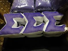 These pillows are adorable.I want these!