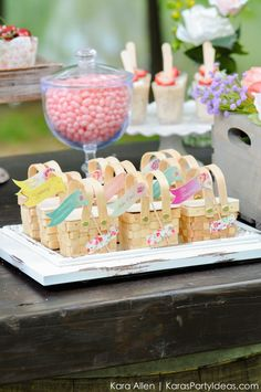 Mini cute little picnic baskets! Picnic in the Park by Kara Allen | Kara's Party Ideas in NYC_-5