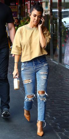 Kourtney Kardashian goes casual cool.