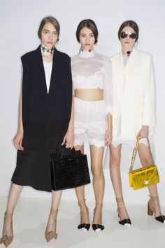See beauty photos for Christian Dior Spring 2016 Ready-to-Wear collection.